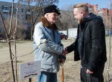 Ветеран ВОв Михаил ЧУШКИН и депутат ВГД Иосиф ЕФРЕМОВ